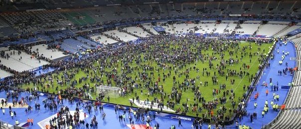 Paris attack: Three dead outside the Stade de France stadium
