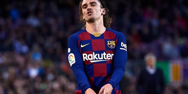 Barcelona and France star Antoine Griezmann is reportedly keen on a moving to Manchester United next season.