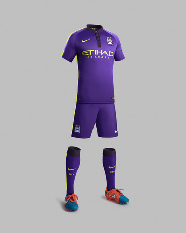 Ho14_Match_Manchester_City_PR_3rd_Full_Body_Gr_R_33203