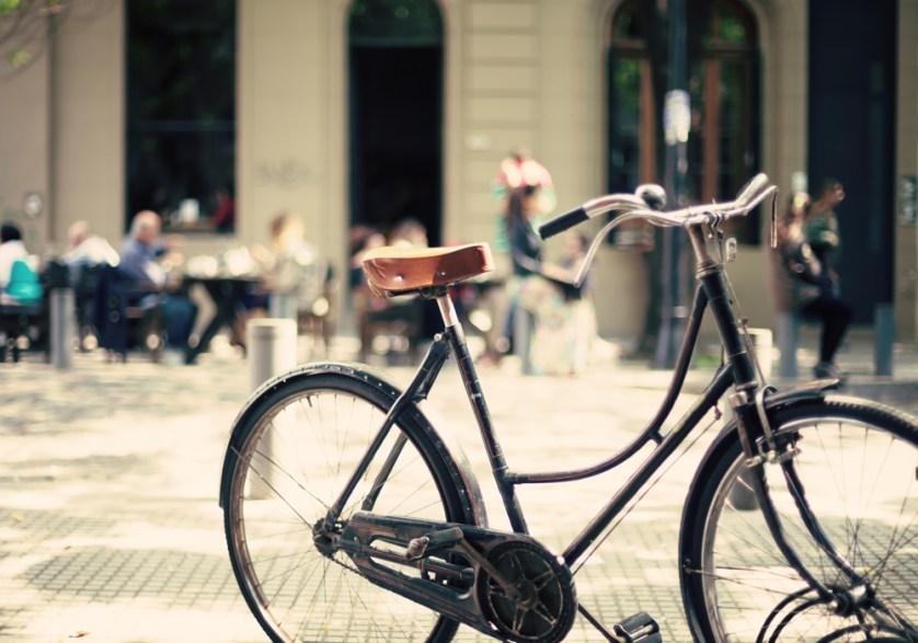 Travel Paris cycling