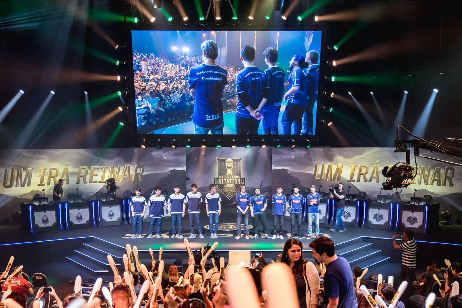 Flash Wolves announce their new League of Legends roster for