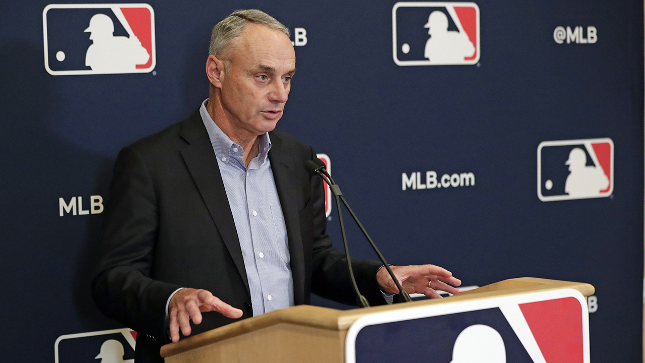 Photo of Report: Manfred offers tweaks to 2021 season as MLBPA mulls decision – Sportsnet.ca