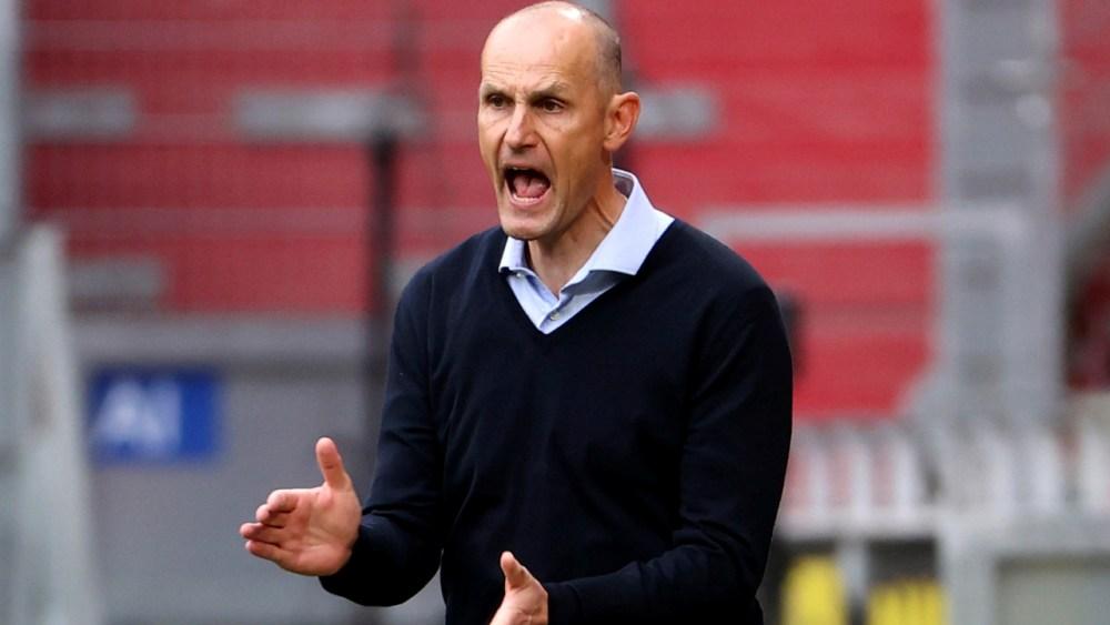 Augsburg fires coach Heiko Herrlich