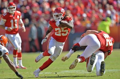 hi-res-186038894-running-back-jamaal-charles-of-the-kansas-city-chiefs_crop_exact