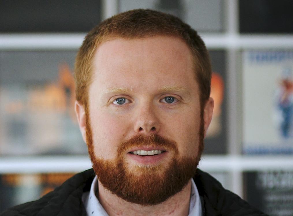 Kyle McLaughlin cropp