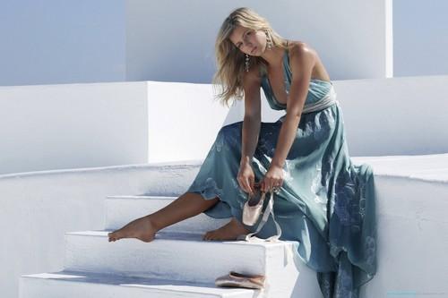Maria Kirilenko in beautiful blue dress