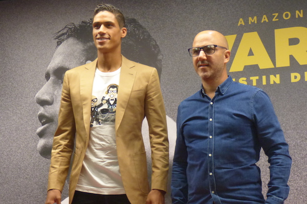 """Varanne accompanied his father to play in his regional football team's games from a very young age.raphael has a sibling named annabbelle varane who. Raphael Varane se met à nu dans un """"Destin de champion"""""""