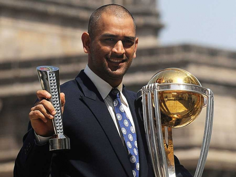 MS Dhoni with World Cup
