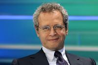 Enrico-Mentana-nello-studio-del-TgLa7