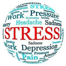 Lo stress produce tanti effetti collaterali. La Radio opera per ridurlo in più modi, talora nel merito e spesso nell'umore.