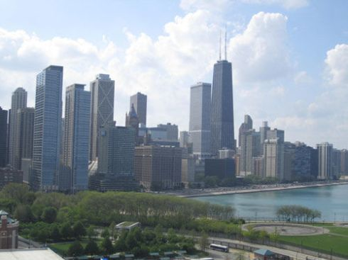 A #travel guide to a girls weekend in Chicago   spotofteadesigns.com