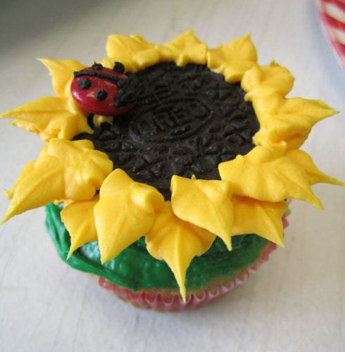 Sunflower Oreo Cupcakes with ladybug M&Ms | spotofteadesigns.com