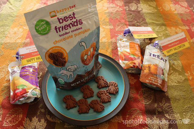 Happy Tot Best Friends Chocolate Pumpkin Toddler Cookies: Fall themed treats from @HappyFamily | spotofteadesigns.com