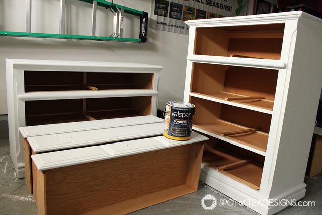 #Nursery Furniture Makeover - @Valspar_Paint Priming | spotofteadesigns.com