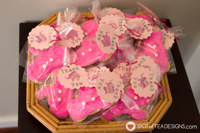 Adorable Pink elephant themed #babyshower for a mom to be - pink elephant favor cookies | spotofteadesigns.com