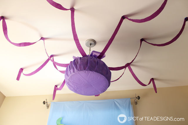 Under the sea #birthdayparty decoration - cover the light to create an octopus | spotofteadesigns.com