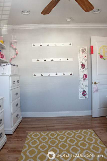 DIY art gallery wall in toddler room | spotofteadesigns.com
