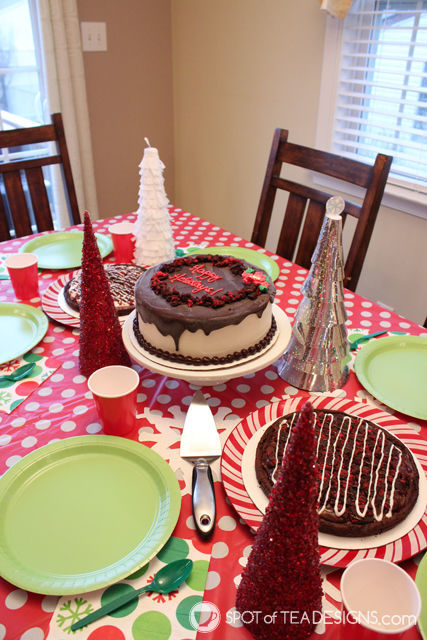 Cool Christmas Desserts to bring for the holiday weekend instead of the typical cookie treat! #BRHolidayTreats #IC #ad | spotofteadesigns.com