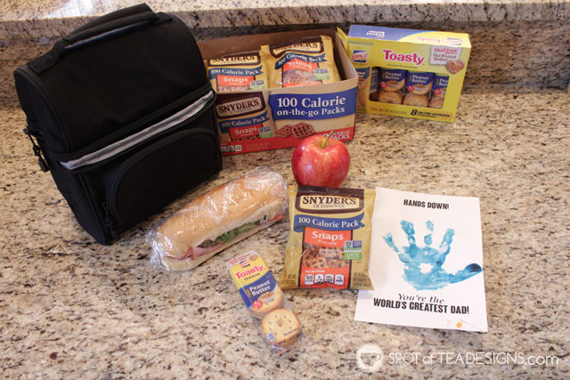 Family bonding activity - packed lunches for dad complete with handmade crafts (free printable download!) #packwithlove #ad | spotofteadesigns.com