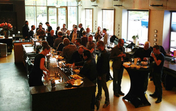Great atmosphere and great food at the networking party before the shows.