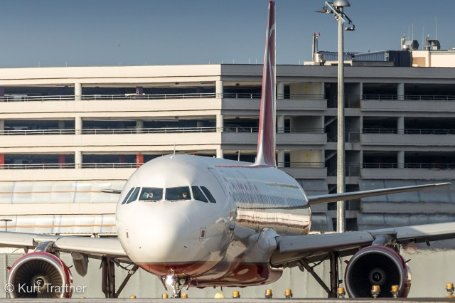 Airbus A321 from Niki in Air Berlin livery lining up in Vienna.