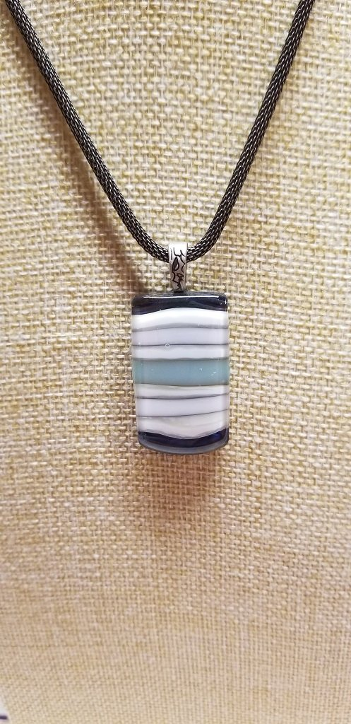 Medium Pendant Reactive Pattern Bar