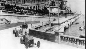 Monaco, 1929: Georges Philippe alias Baron de Rothschild fährt in seinem Bugatti vor Rudolf Caracciola auf Mercedes in die Tabac-Kurve