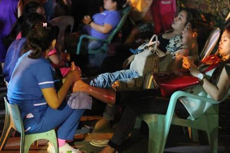 BUSINESS AS USUAL – No bombs can stop the Davao City night market