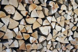 drewno ukłądane własciwie