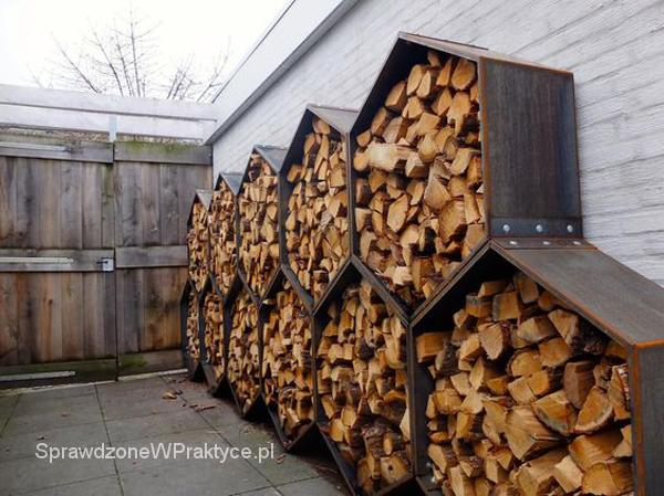 Stojak na drewno do kominka