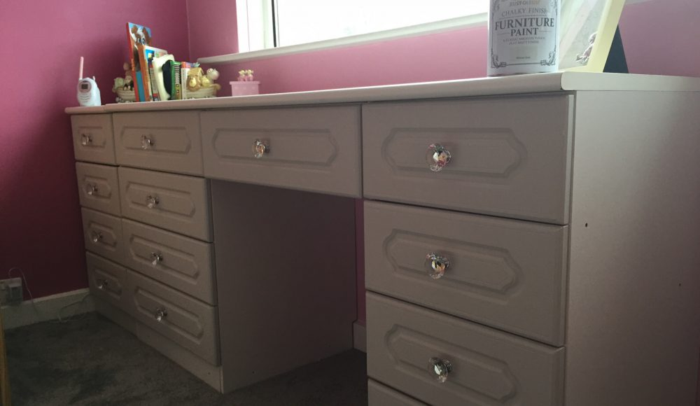 Rust Oleum Winter Grey Chalky Paint, Grey Chalky Furniture Paint