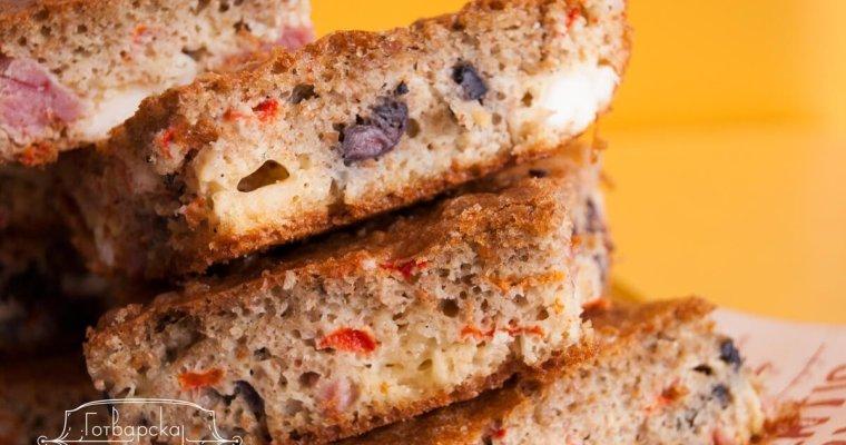 Бърз, солен кекс с маслини, сирене и печени чушки