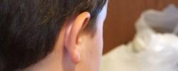 Etwas hinter die Ohren schreiben - © ronnieb, morguefile.com
