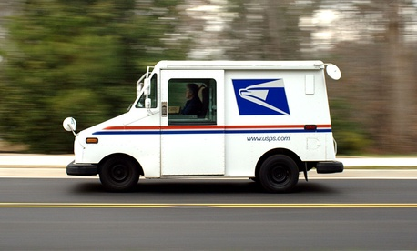 Spring USPS Mail Handler Leaves Mail Up For Grabs