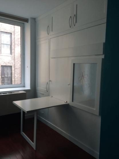 chelsea-murphy-desk