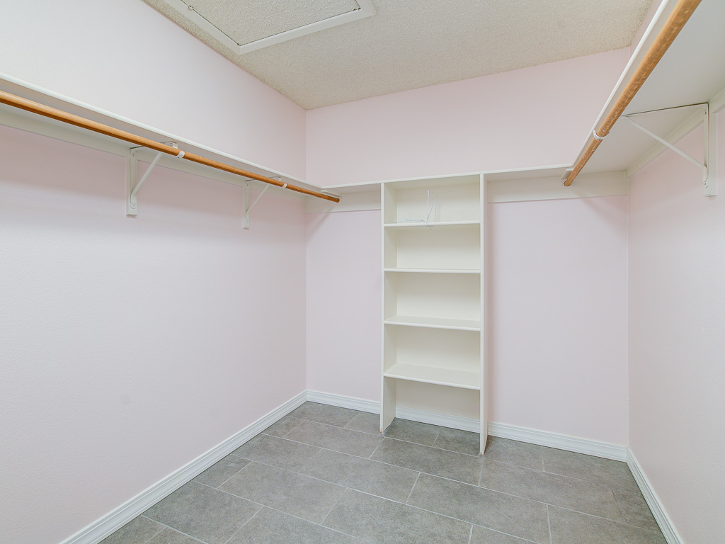 Brookdale-Master Walk In Closet