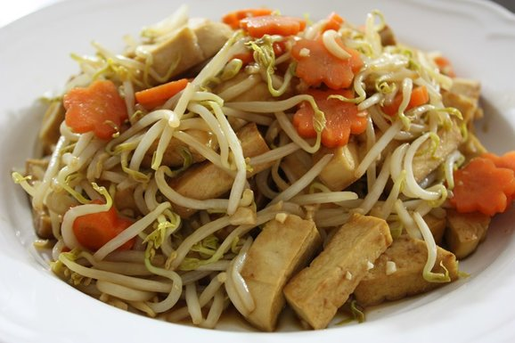 Bean Sprouts with Firm Tofu