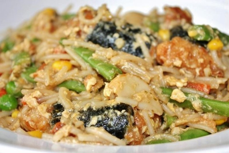 Seaweed Chicken Fried Noodles
