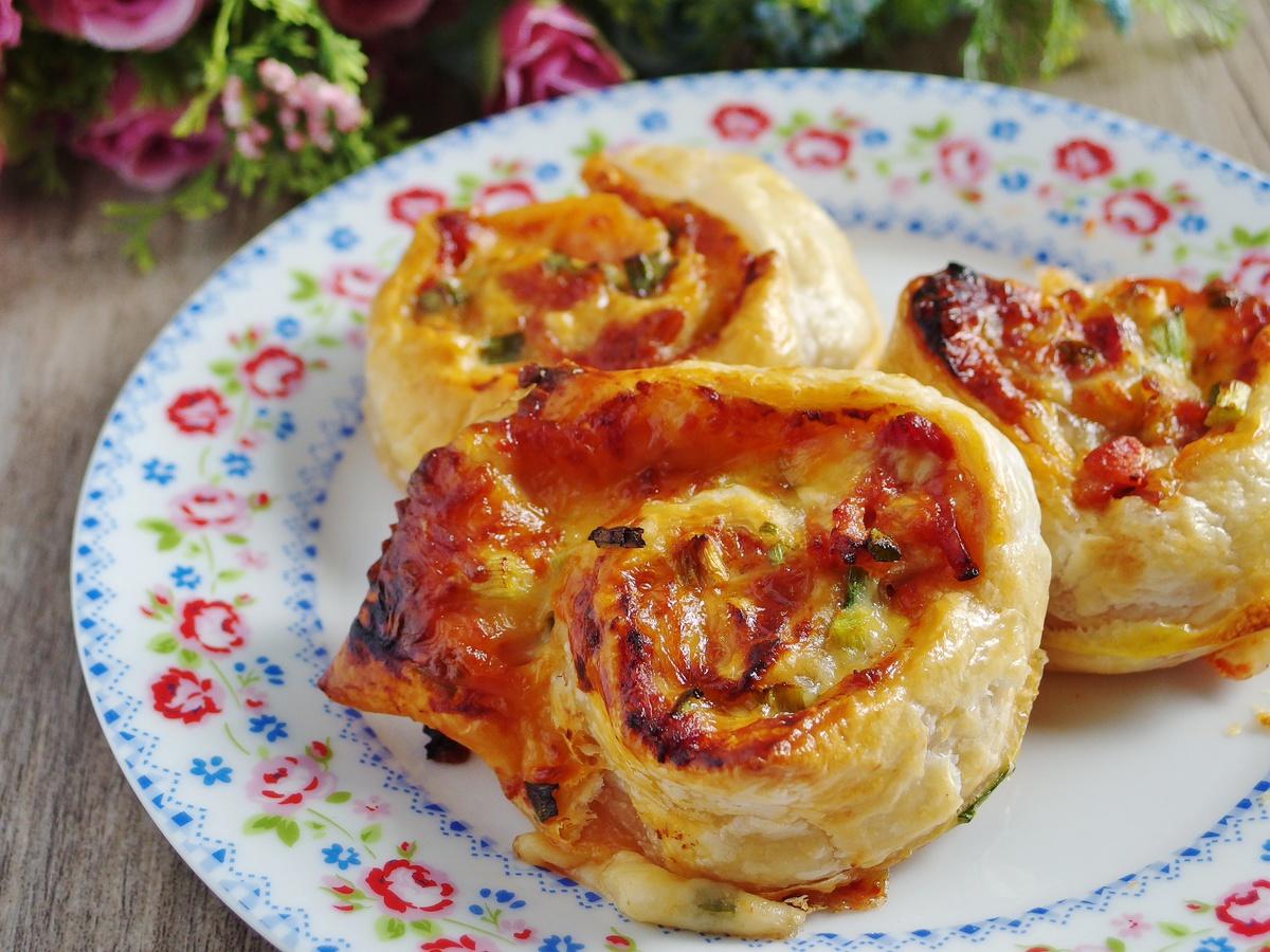 Bacon Cheese Rolls Recipe