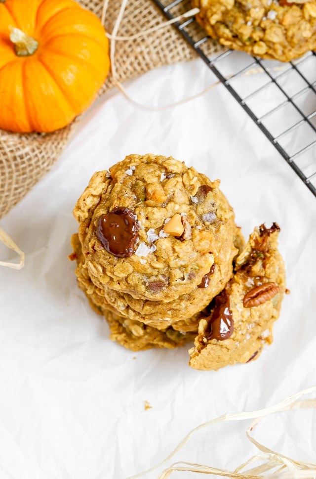 Quick Chewy Pumpkin Oatmeal Cookies