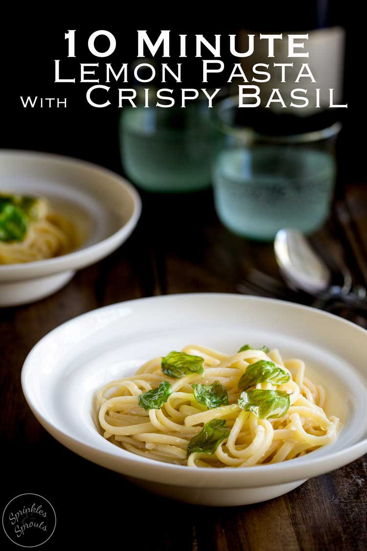 Just a few simple ingredients is all it takes to make this delicious pasta dinner. This Lemon Pasta With Crispy Basil is vegetarian, so simple to make and ready in 10 minute! Another #SundaySupper from https://www.sprinklesandsprouts.com