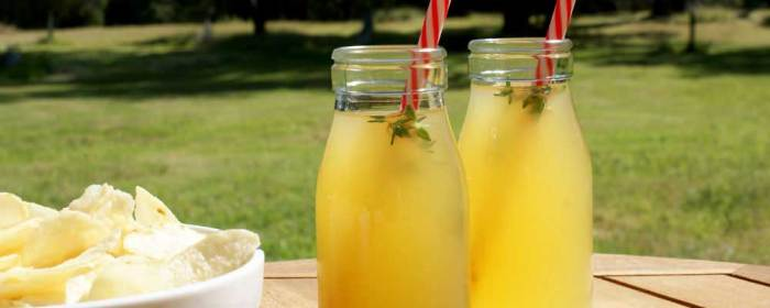 Summerthyme Cocktail (with easy Mocktail option)