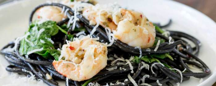 Spaghetti Nero with Garlic Prawns