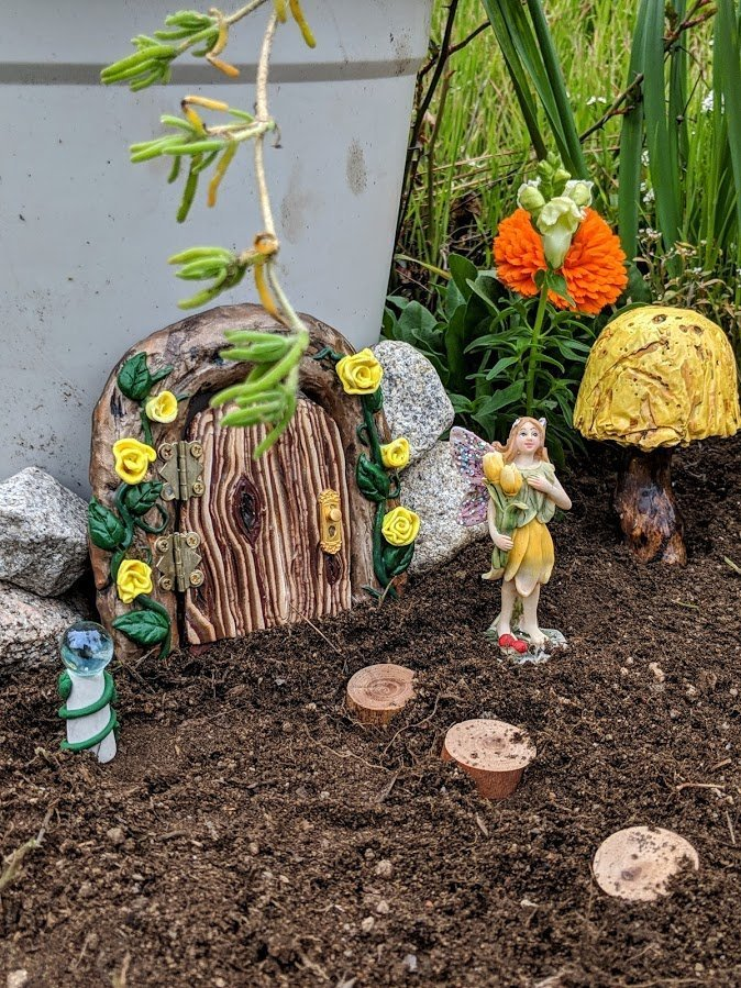 Make a Yellow Fairy Garden for early Spring