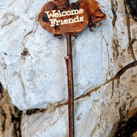 Miniature Welcome Friends Sign3