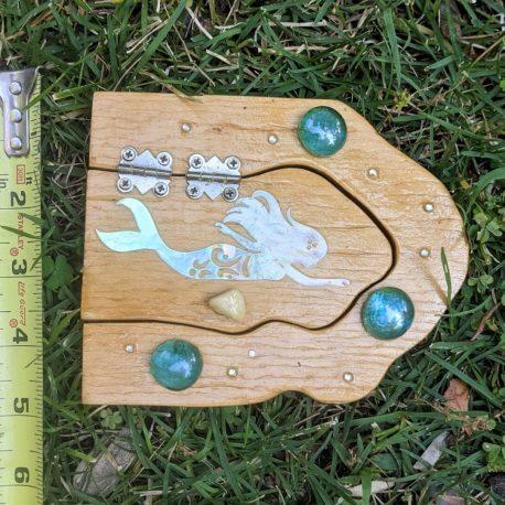 Mermaid Garden Door measure