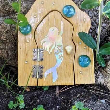 Mermaid Garden Door2
