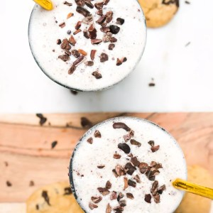 Healthy Cookie Dough Milkshake (Vegan, Paleo, Gluten Free, Refined Sugar Free)