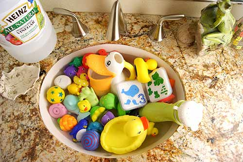 Natural Ways to clean bath toys