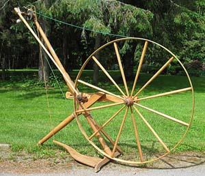 Victoria Spinning Wheel